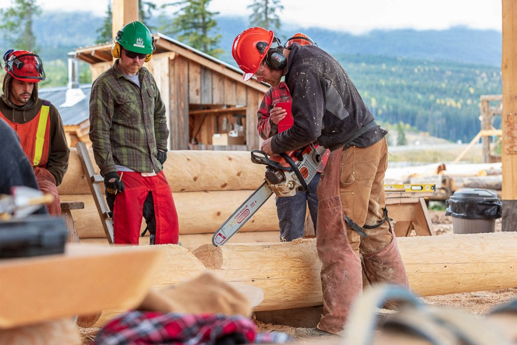 British Columbia School Of Log Building   Log Building